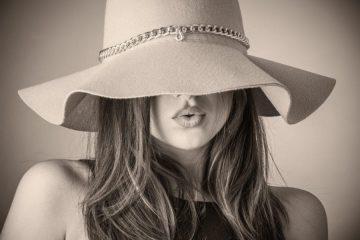 איך להתאים את הכובע למבנה הפנים?