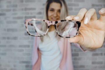 איך להתאים את המשקפיים לפנים?